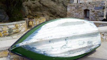 Απομάκρυνση εγκαταλειμμένων σκαφών στο Κίνι