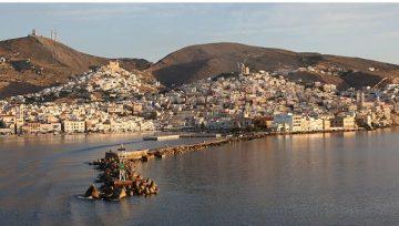 Κατασκευή και τοποθέτηση αγάλματος στο λιμάνι της Σύρου
